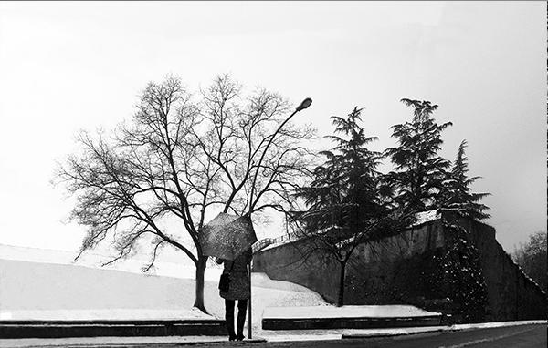 No. 50 Woman-at-Bastioni-in-snow